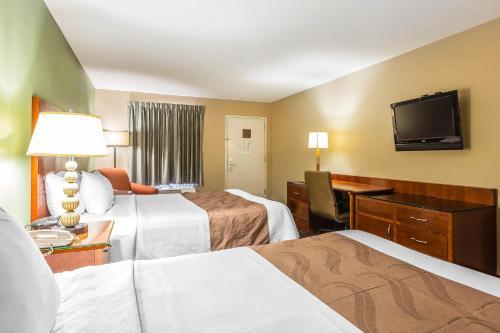 Quality Inn & Suites Warner Robins Photo