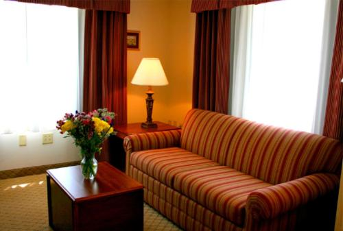 Holiday Inn Express Evansville - West - Evansville, IN 47712