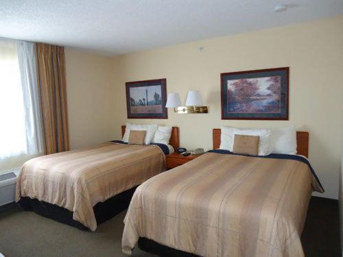 Candlewood Suites Emporia - Emporia, KS 66801