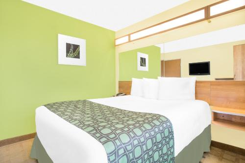 Microtel Inn & Suites By Wyndham Tuscumbia/muscle Shoals - Tuscumbia, AL 35674