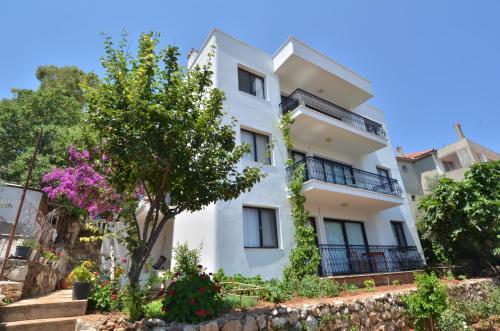 Karaburun Mimas Garden Apartments online rezervasyon