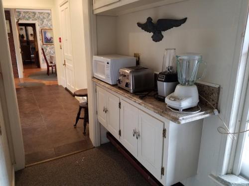 1860 House Inn and Rental Home Photo