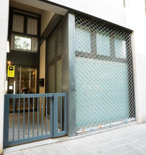 Serennia Cest Apartamentos Arc de Triomf photo 14