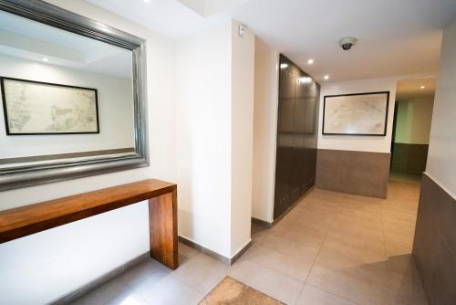 Serennia Cest Apartamentos Arc de Triomf photo 15