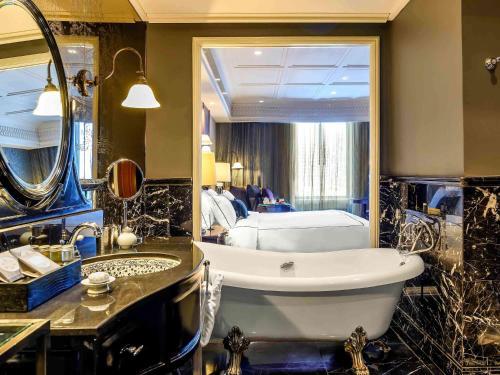 Hotel Muse Bangkok - 14 of 97