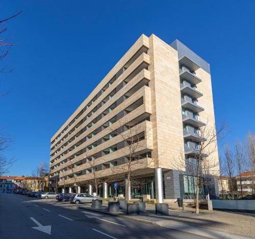 Appartamenti serviced apartments boavista palace porto for Sala 976 latin palace