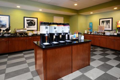 Hampton Inn and Suites Lynchburg Photo