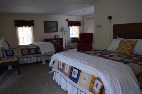 The New Hampshire Mountain Inn Photo