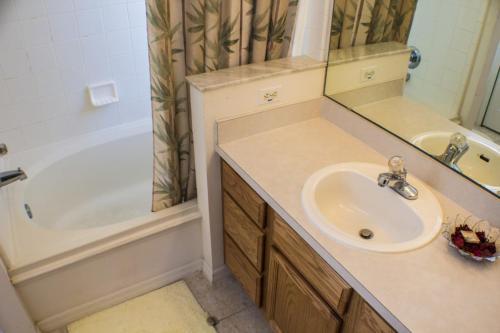 Thomas's Rolling Hills Villa - Four Bedroom Home - Kissimmee, FL 34747