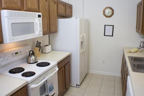 Windsor Retreat - Three Bedroom Condominium 303 - Kissimmee, FL 34747