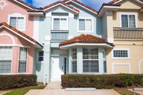 Elegant Fiesta Key Townhouse - Three Bedroom Home - Kissimmee, FL 34747