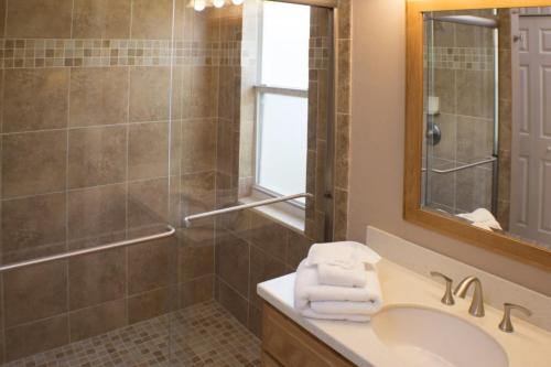 Mark's Sunrise Lakes Villa - Four Bedroom Home - Clermont, FL 34714