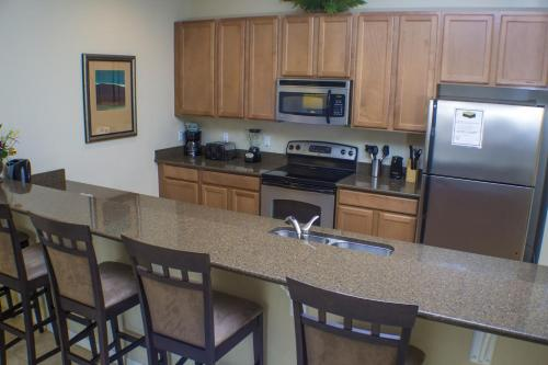 Candy Floss Paradise Palms Townhouse - Four Bedroom Home - Kissimmee, FL 34747