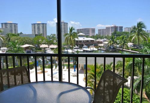 Santa Maria Harbour Resort - Two Bedroom Condominium 302