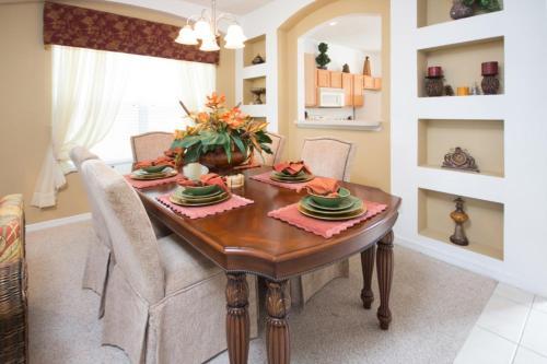 Enchanted Seasons Villa - Six Bedroom Home - Kissimmee, FL 34746