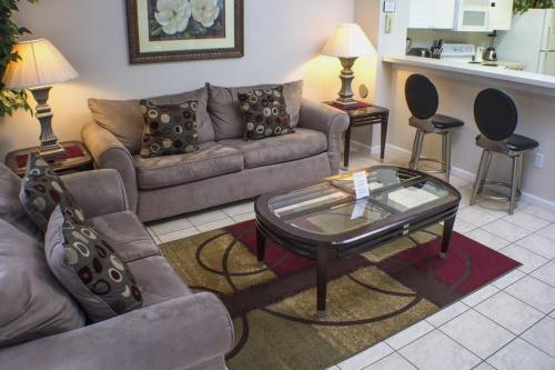 Chris's Windsor Palms Townhouse - Three Bedroom Home - Kissimmee, FL 34747