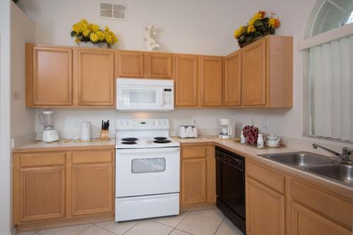 Robert's Indian Point - Four Bedroom Villa - Kissimmee, FL 34746