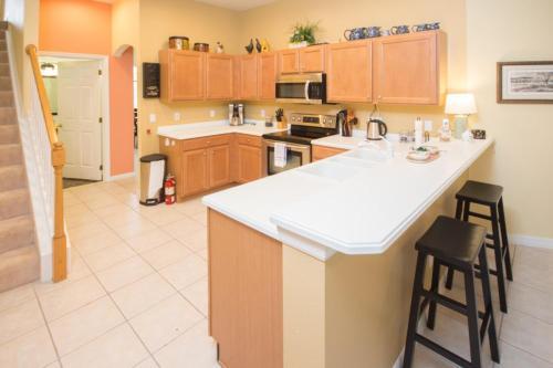 Lyn's Highlands Reserve Villa - Five Bedroom Home - Davenport, FL 33897