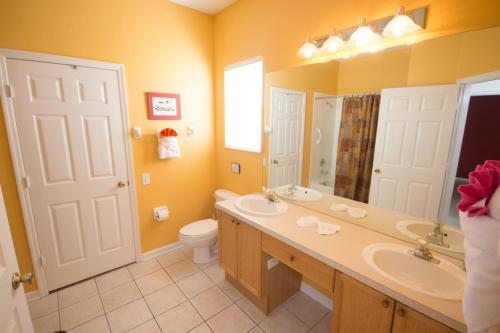 Sandra's Windsor Palms Villa - Four Bedroom Home - Kissimmee, FL 34747