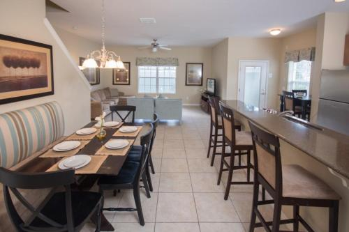 Gillian's Paradise Palms Townhouse - Five Bedroom Home - Kissimmee, FL 34747
