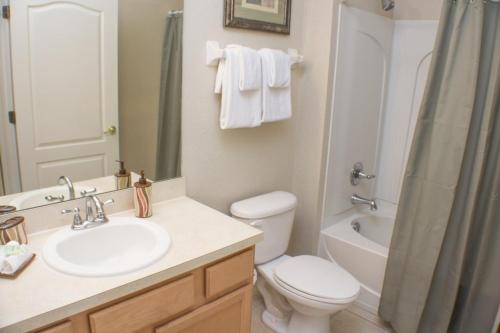 John's Coral Cay Townhouse - Four Bedroom Home - Kissimmee, FL 34746