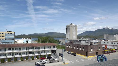 The Pacific Inn - Prince Rupert, BC V8J 1M9