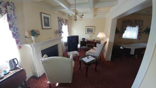 Maryhill Inn