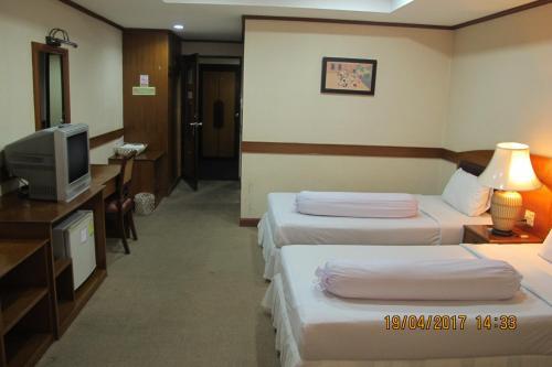 Ayutthaya Thenee Hotel photo 32
