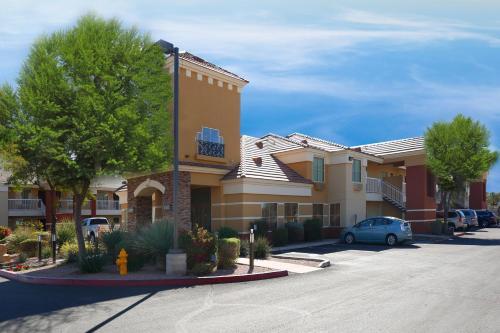 Extended Stay America - Phoenix - Chandler - E. Chandler Blvd. Photo