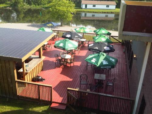 Econo Lodge Smiths Falls - Smiths Falls, ON K7A 3B8