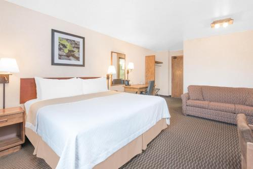 Days Inn By Wyndham West Rapid City - Rapid City, SD 57702