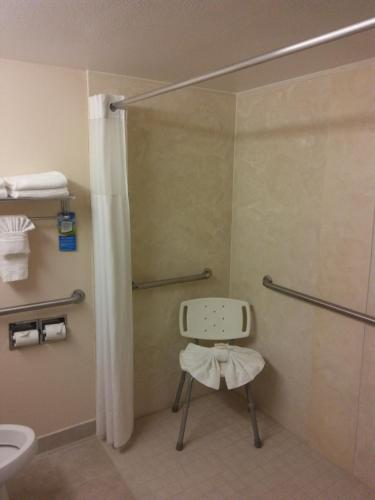 Baymont Inn and Suites Florida Mall photo 8