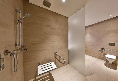 DoubleTree by Hilton Dubai - Business Bay Photo