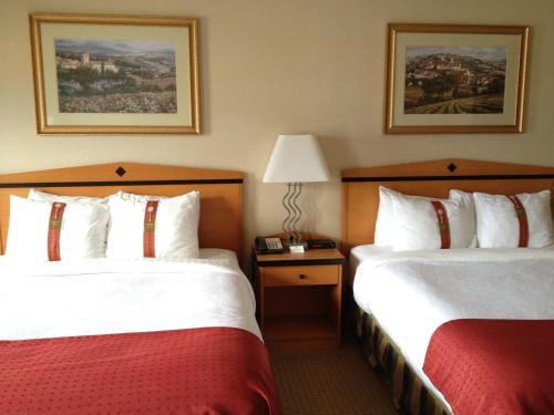 Holiday Inn Hotel & Suites Osoyoos - Osoyoos, BC V0H 1V0