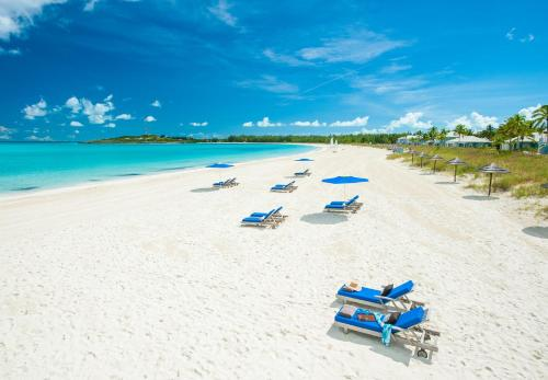 Queens Highway, Great Exuma, The Bahamas.