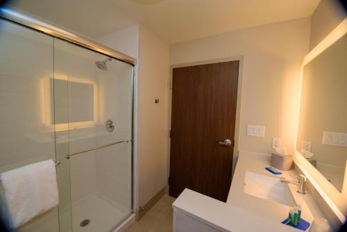 Holiday Inn Express & Suites McKinney - Craig Ranch Photo