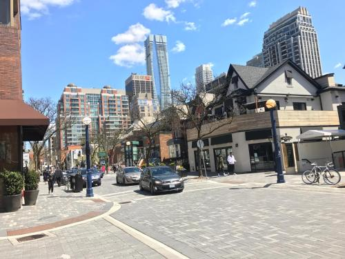 Executive Furnished Properties - Yorkville Village - Toronto, ON M5R 1C4