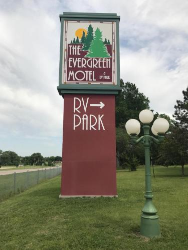 Evergreen Inn- Motel And Rv Park