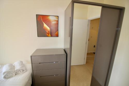 Marlborough Court Apartments photo 8