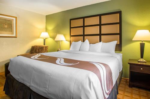Quality Inn & Suites Marinette Photo