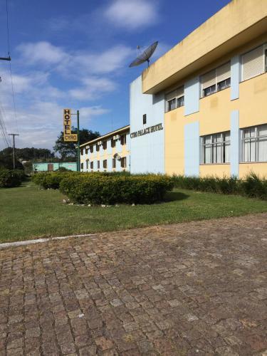 Cyro Hotel