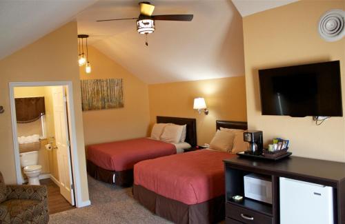 Elm Street Suite - Hill City, SD 57745