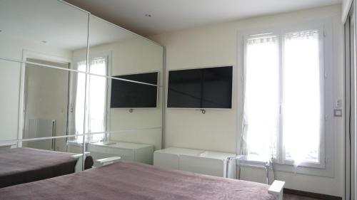 Apartment rue de Longchamp photo 15