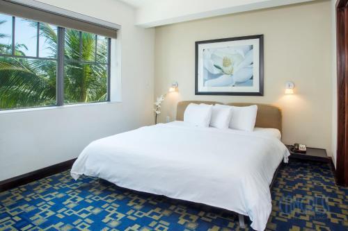 Suites at Congress Ocean Drive Photo
