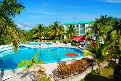 HotelGrand Baymen Gardens