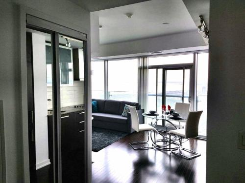 Premium Suites - Furnished Apartments Downtown Toronto - Toronto, ON M5J 0B1