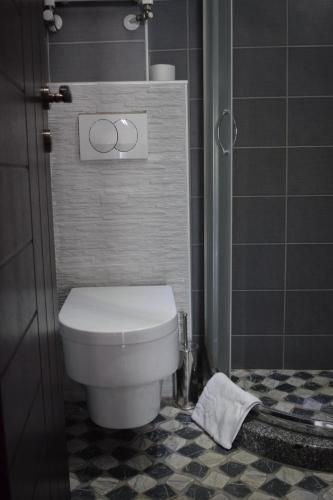 https://q-xx.bstatic.com/images/hotel/max500/990/99070802.jpg