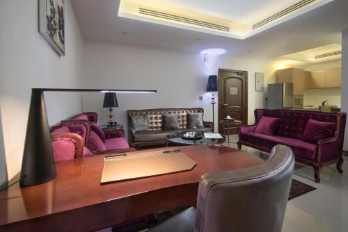 Noon Hotel Suites Photo