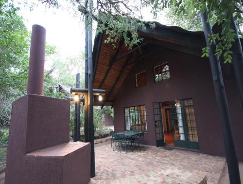Burchell's Bush Lodge Photo