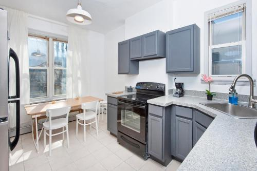 Three Bedroom Hoboken Apartment - Hoboken, NJ 07030